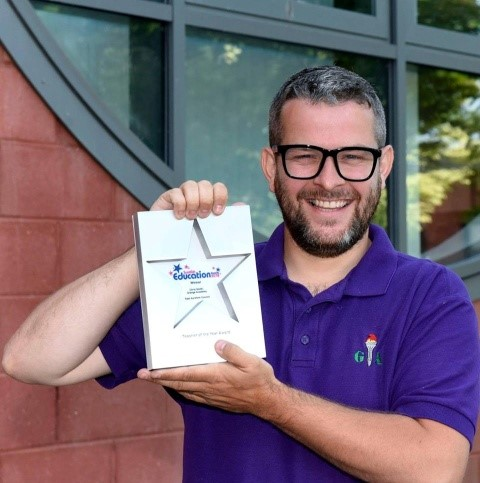 Chris Smith wins Scottish Teacher of the Year 2018